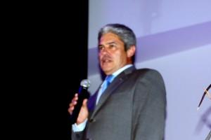 Diretor Carlos opens the event