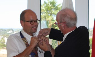 Pinning the President